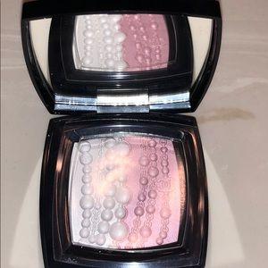 Chanel perked et fantaisies illuminating powder